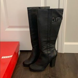 ELLE Boots NWT